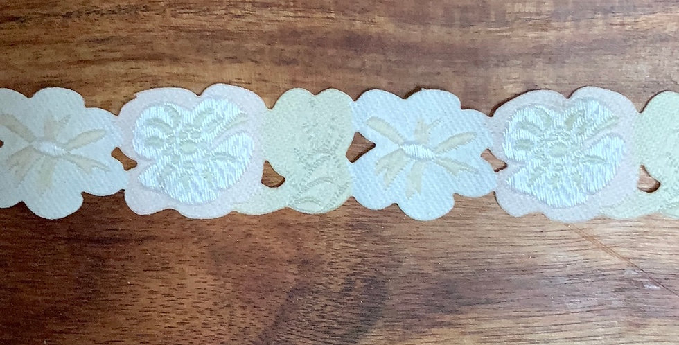 20mm French Embriodered Floral Trim...