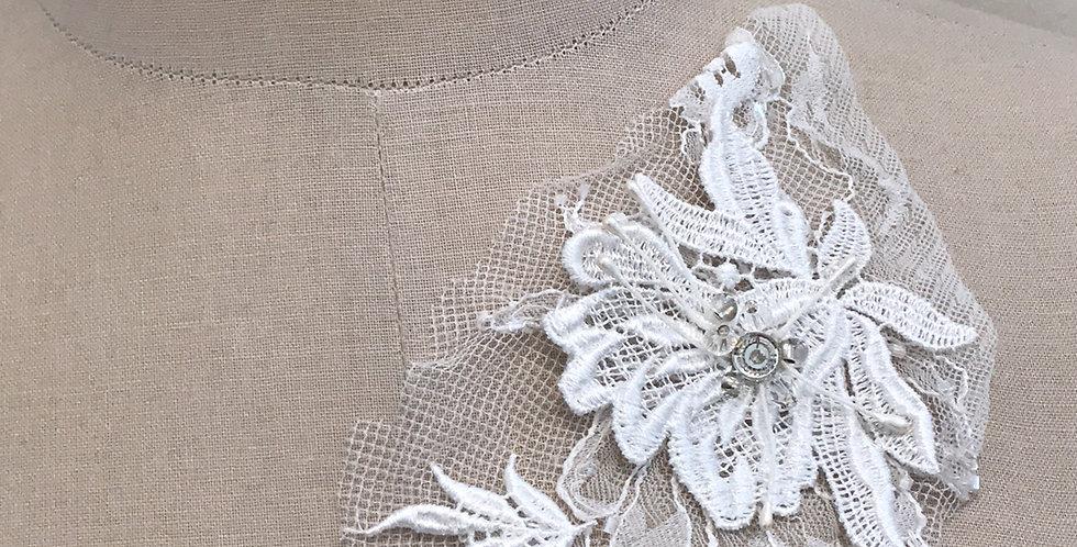 Lily lace motif large