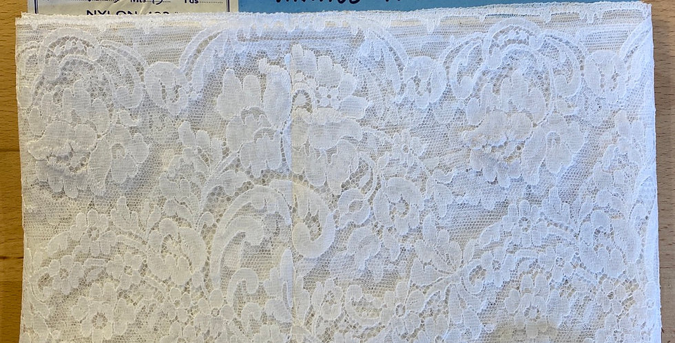 5 metres vintage French lace