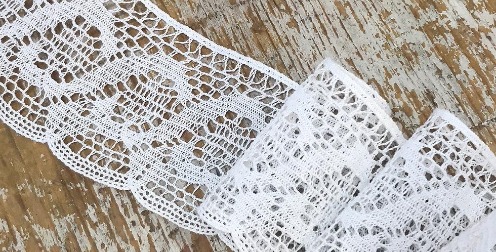 Lila vintage lace