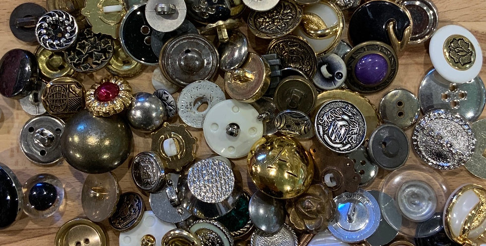 10 Assorted Mix of Metal / Metal Look Buttons...