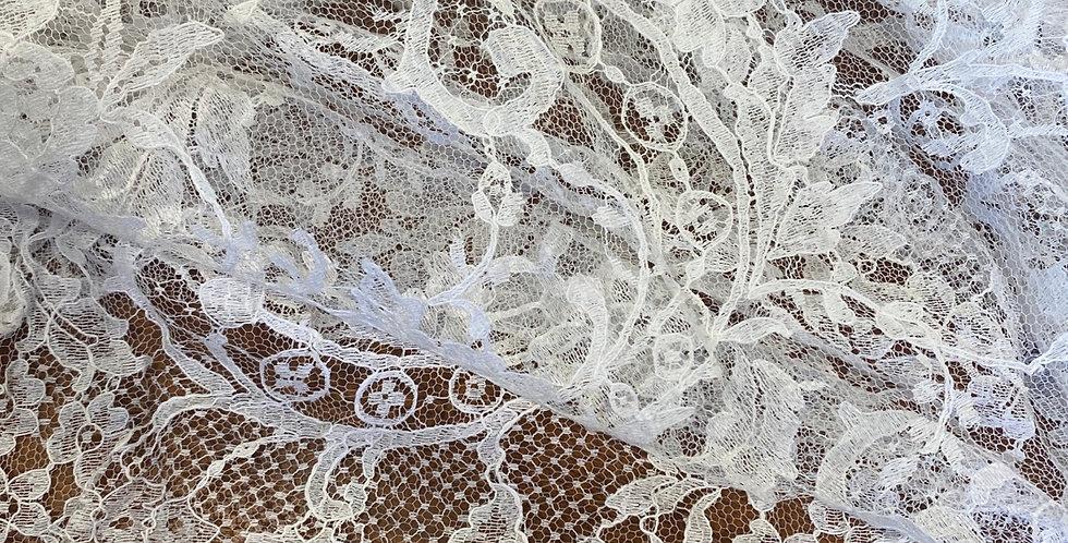 ivory cotton scallop edge lace remnant