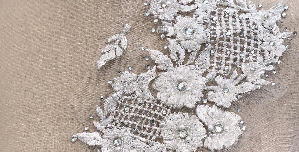 Isabel lace motif