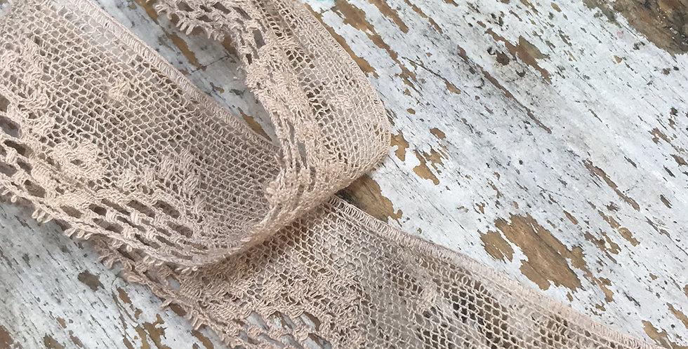 Esmeralda vintage lace