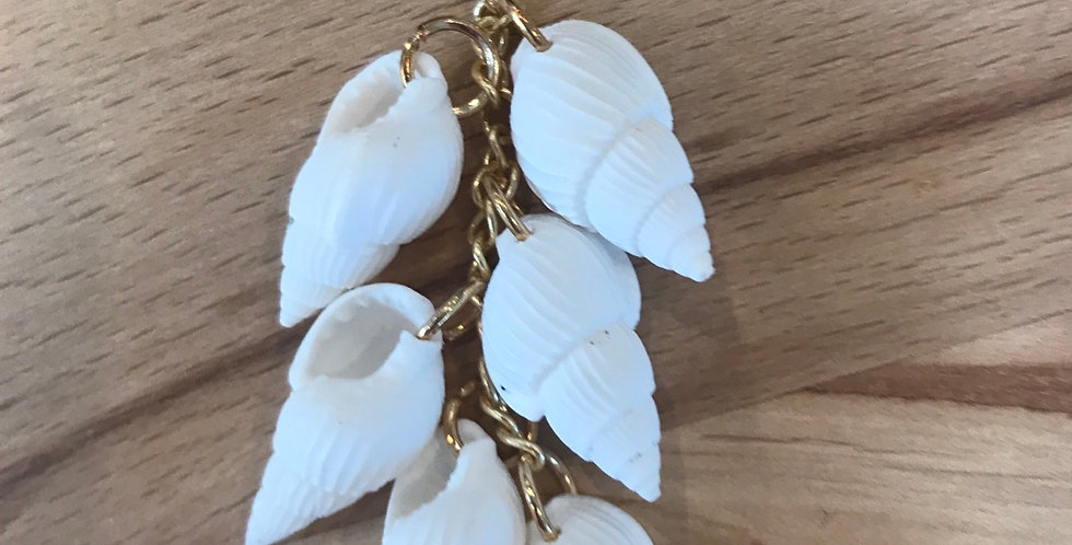 6 Shell hanging charm gold