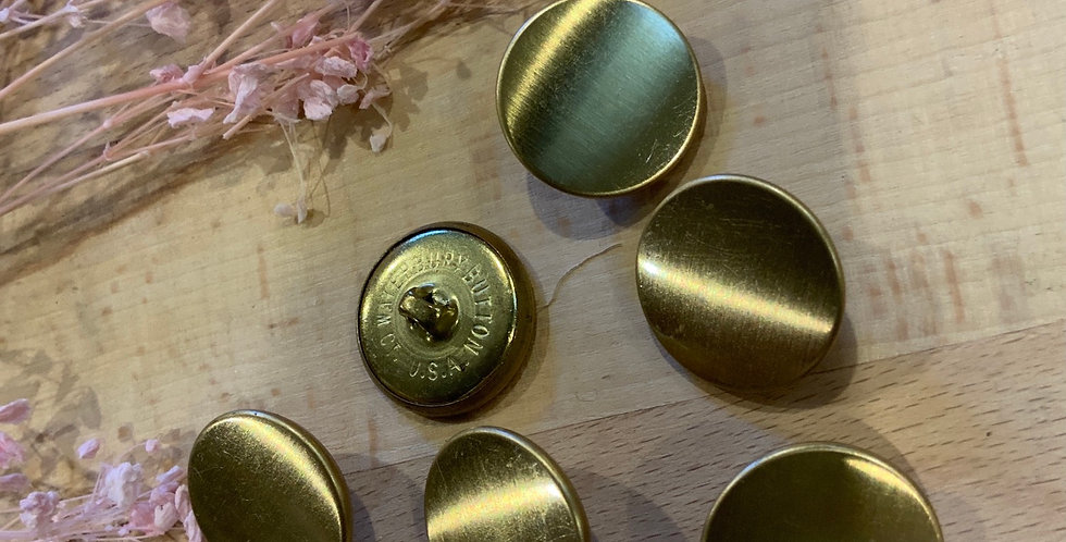 6 Gold Buttons
