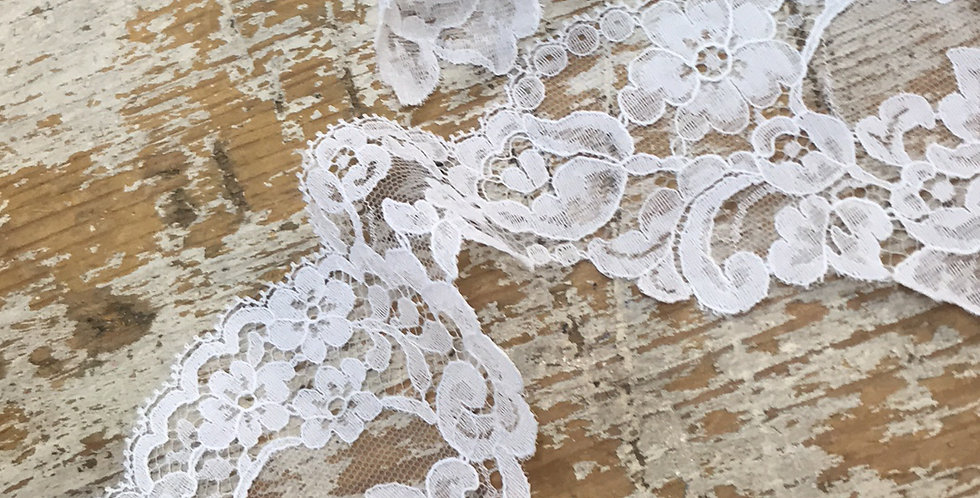 Dacey vintage lace