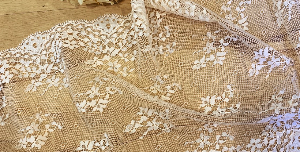 apricot blush trail lace 1mtr piece