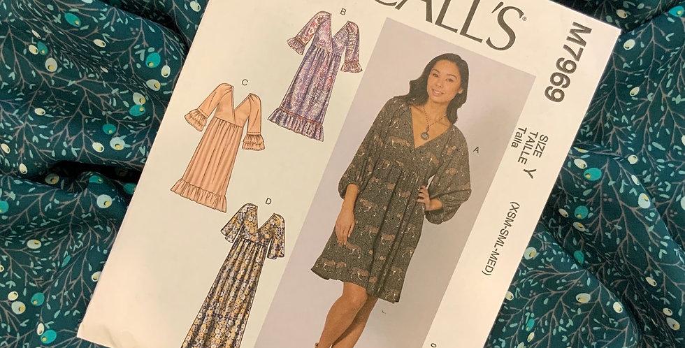 McCalls Winterberry Pine Dress Kit Size XS-Medium