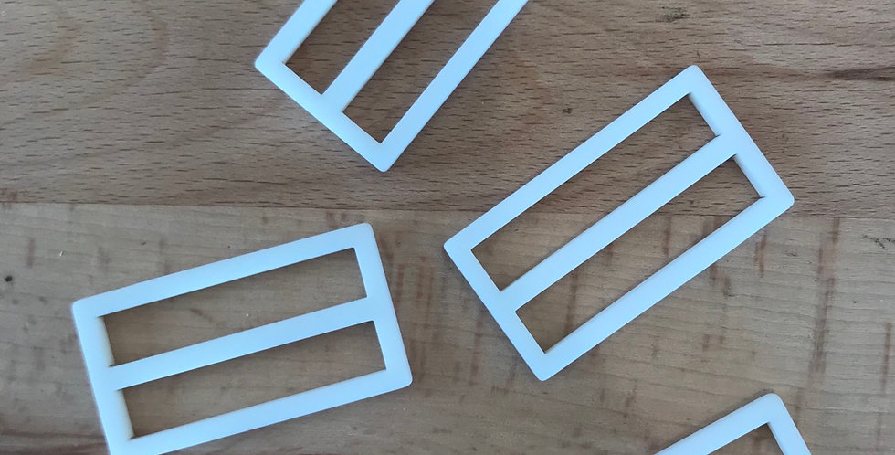 Ivory matte buckle (small )