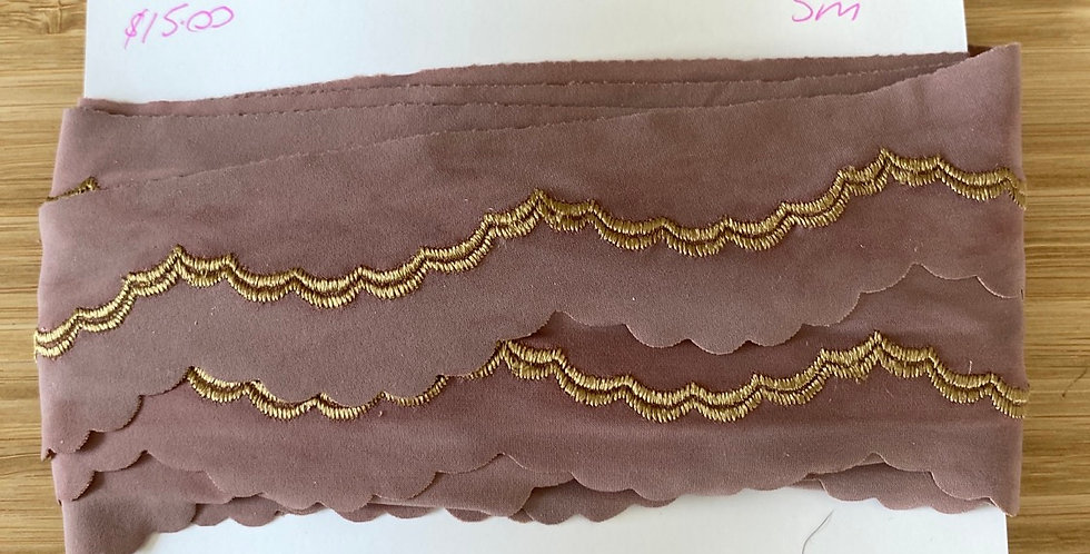 dusty rose embroidered scallop lycra trim remnant