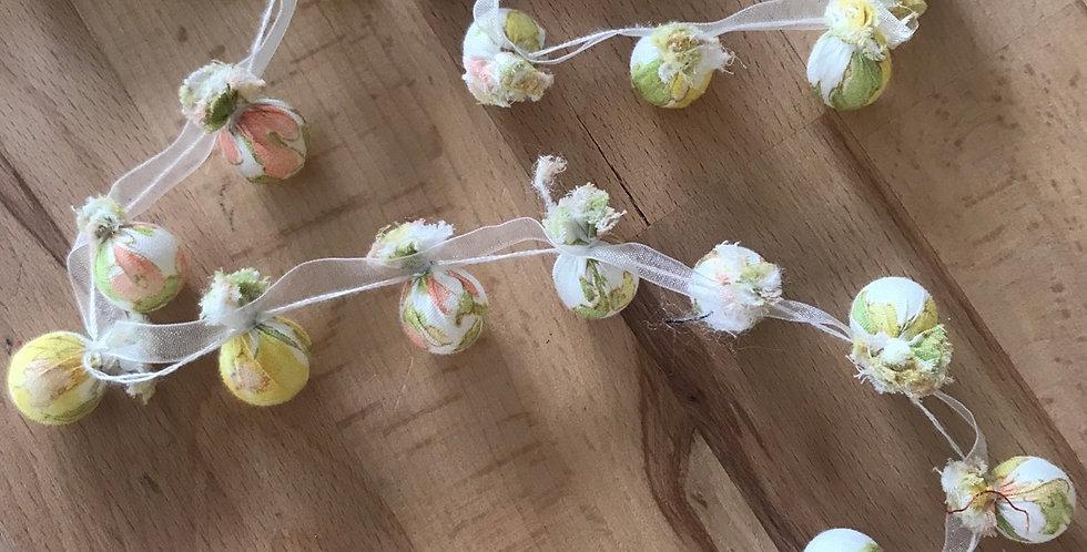 1.5 metres lemonchello bead trim