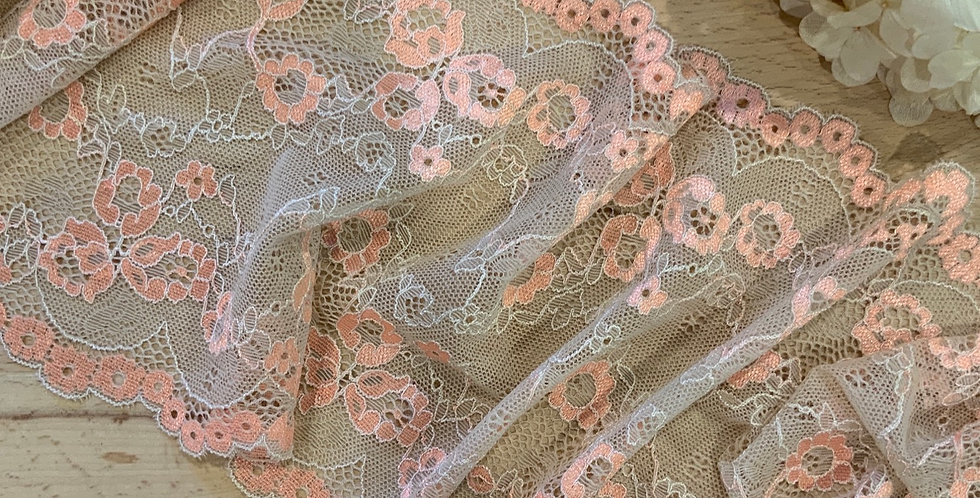 Apricot Crumble Stretch Lace