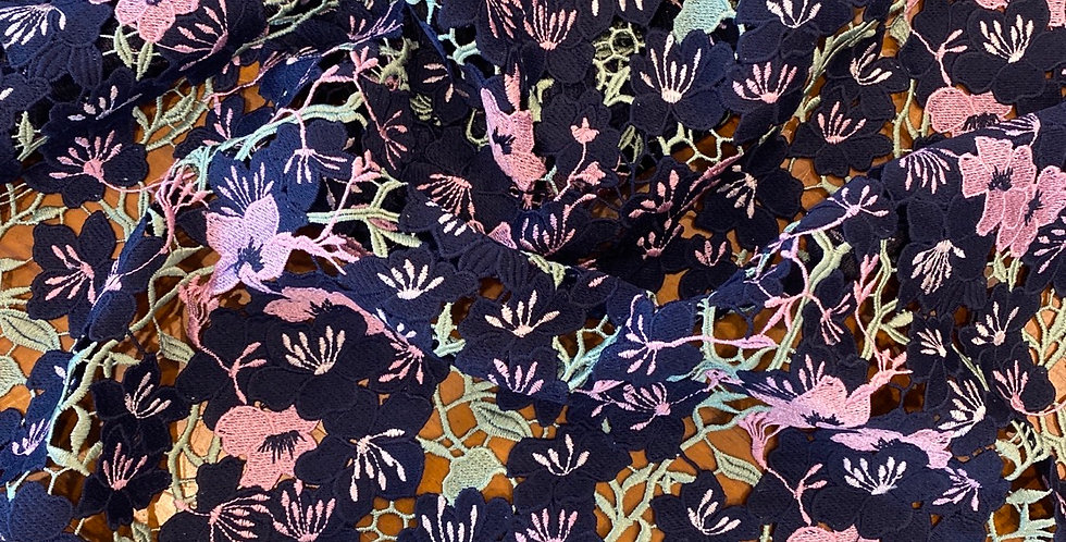 Garden party guipure lace remnant