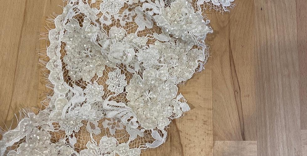 1 metre beaded border lace #6001