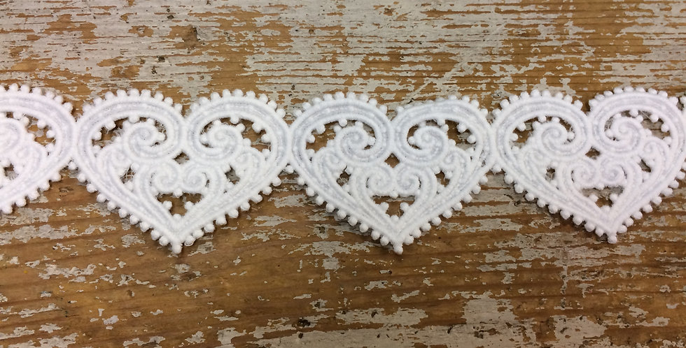 Small Ornate Heart Lace Trim