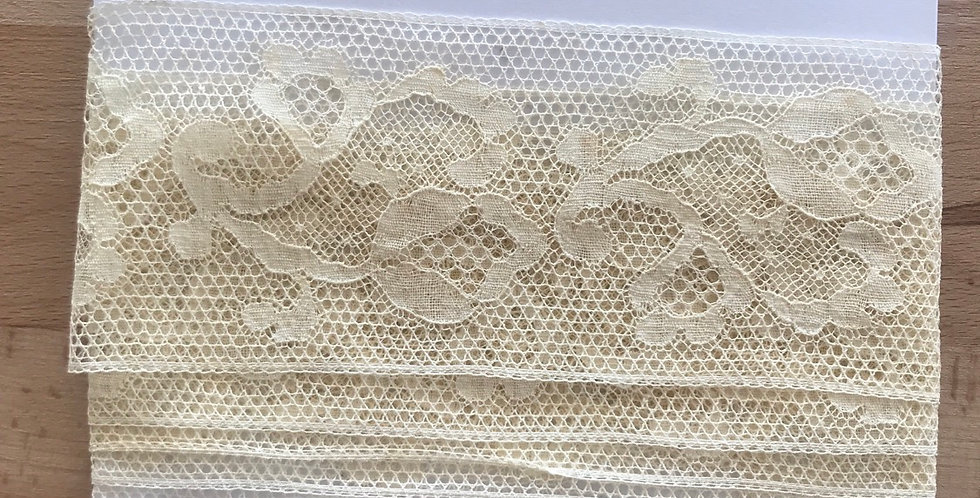 Vintage French cotton lace remnant