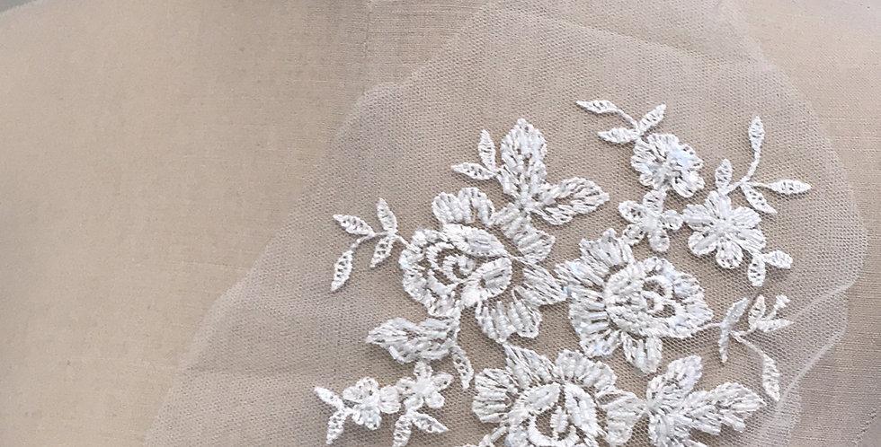 Charlotte lace motif