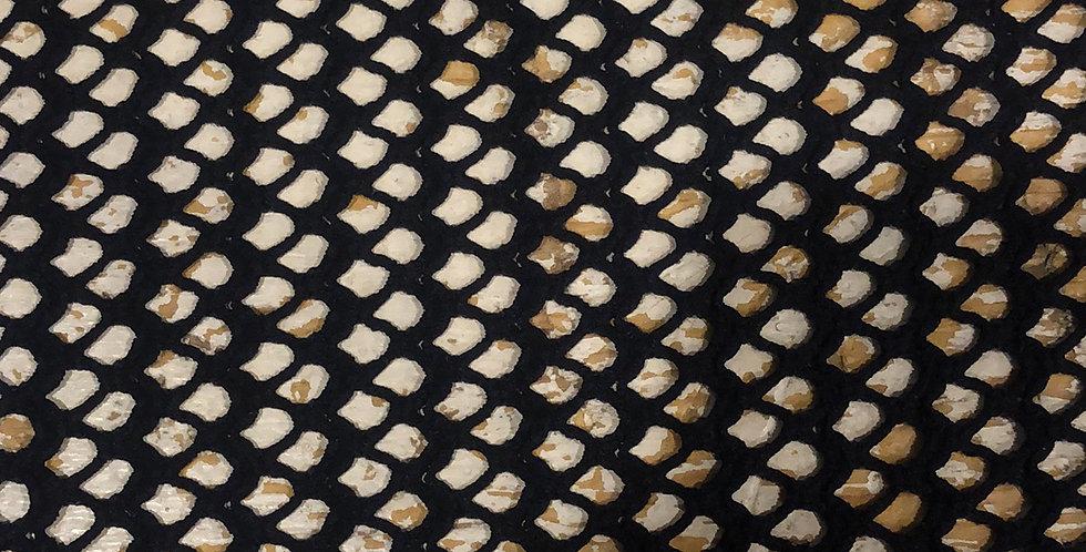 Scallop fishnet mesh