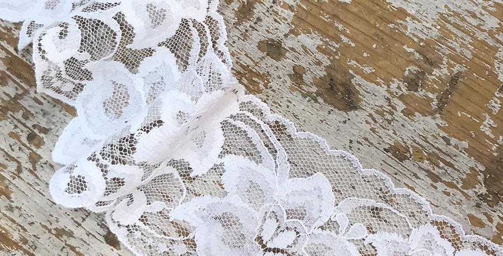 Manon vintage lace