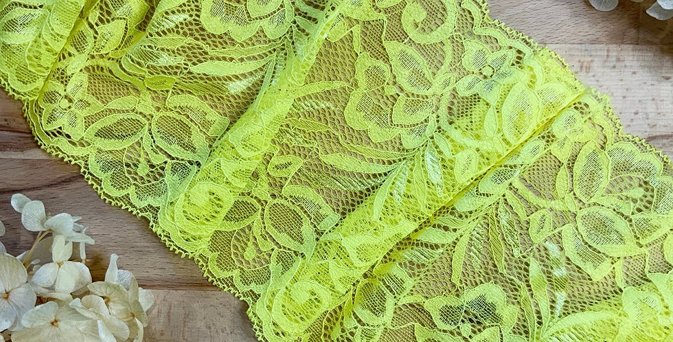 1.8mtrs Bright Yellow Stretch Lace