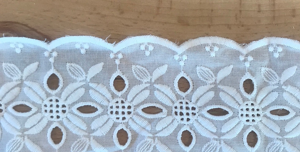 Astrid embroidered trim