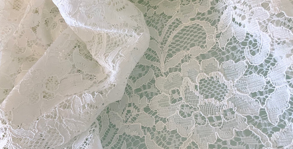 Ivory Lace Remnant....#2006