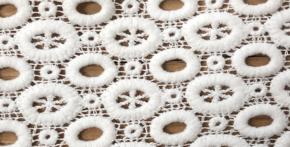 Twiggy cotton lace trim