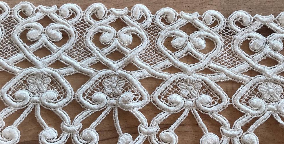 Trellis guipure lace
