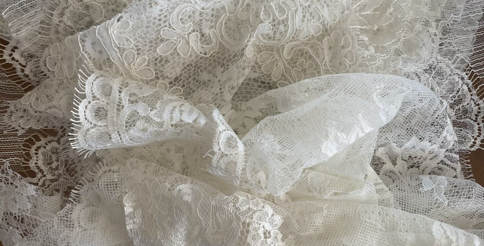 Ivory lace pack B