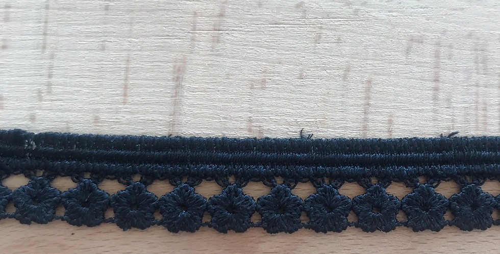 Black daisy edge lace