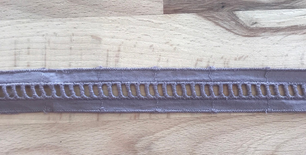 Dusty amethyst cotton ladder insertion trim