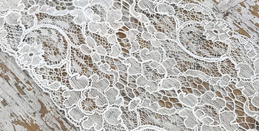 Ellie vintage lace