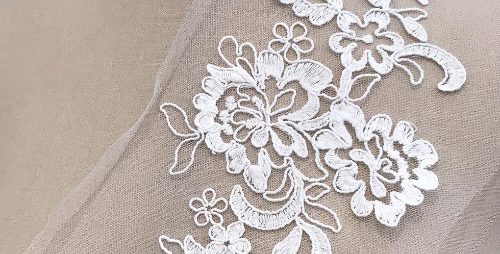 Chloe lace motif