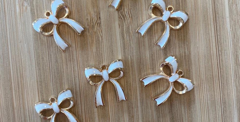 Bow charm white
