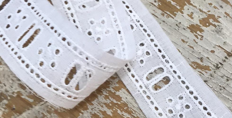 Robyn vintage lace