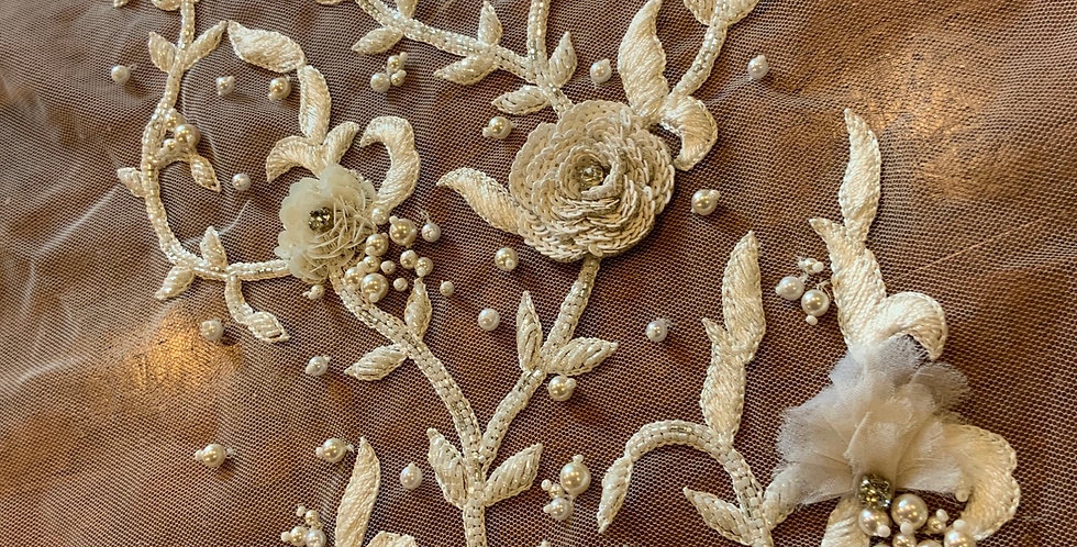 Ivory Beaded Lace Motif Piece #L10