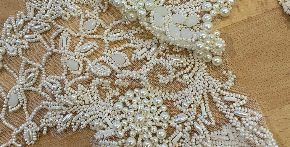 Ivory Hand Beaded Lace Off Cut #9049