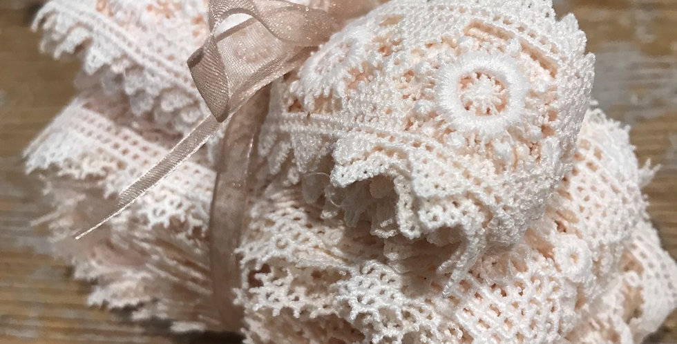 6 metres hand dyed peach lace trim