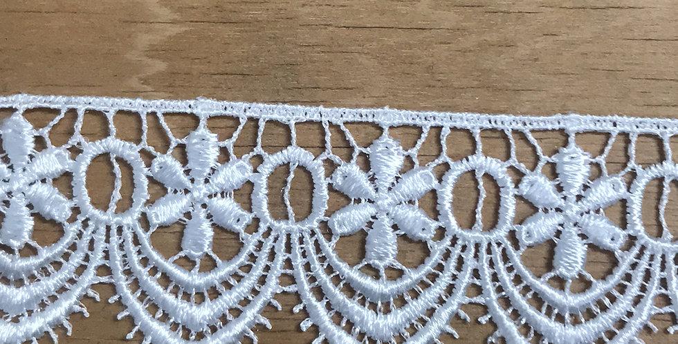 Daisy drop lace