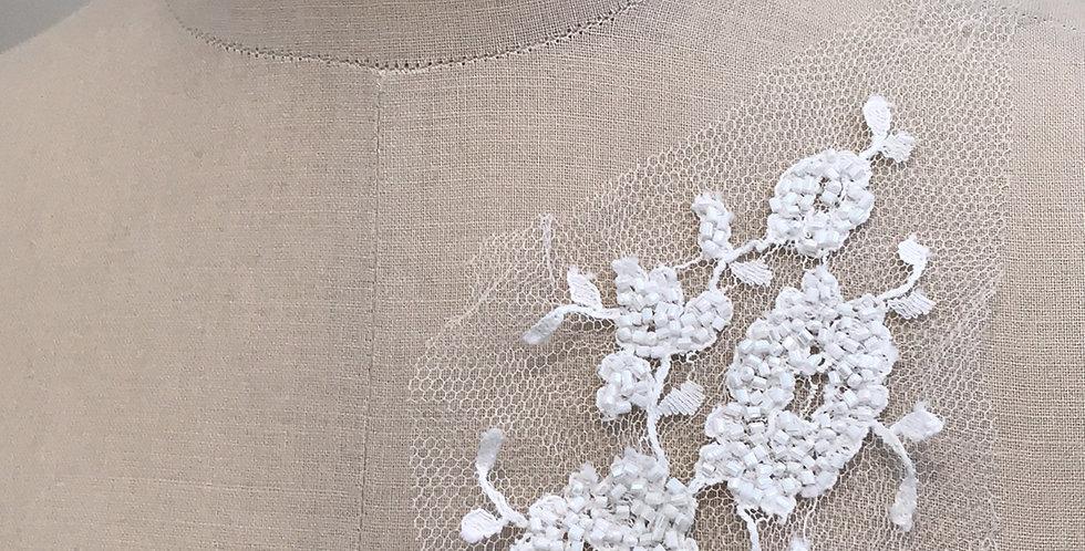 Lila lace motif