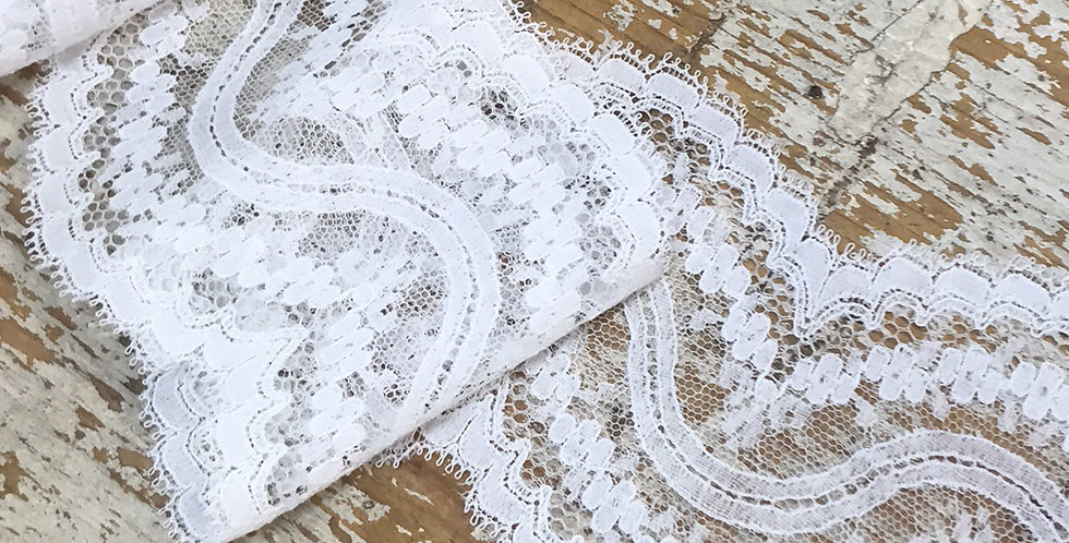 Cadencia vintage lace
