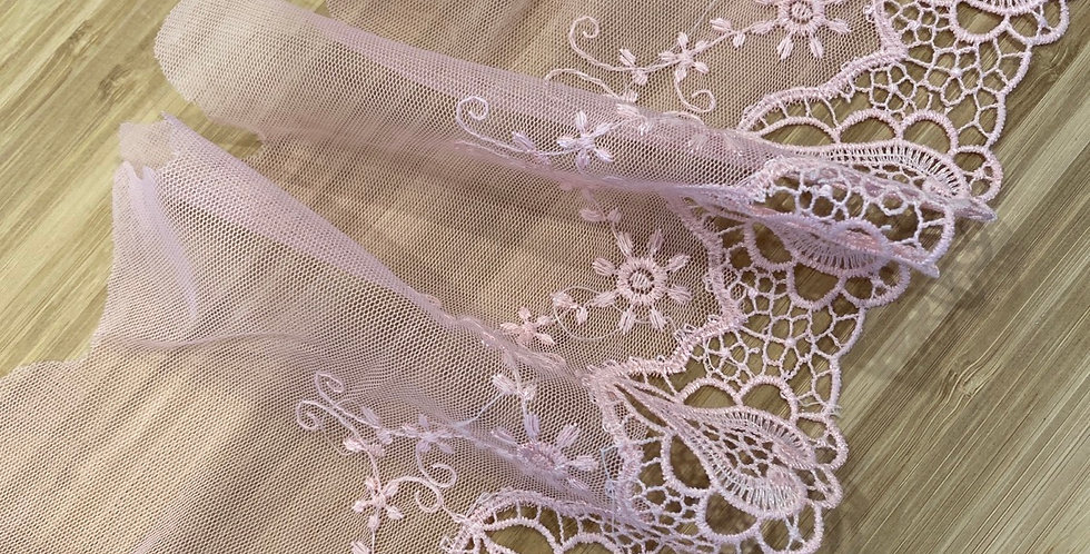 Kit embroidered mesh