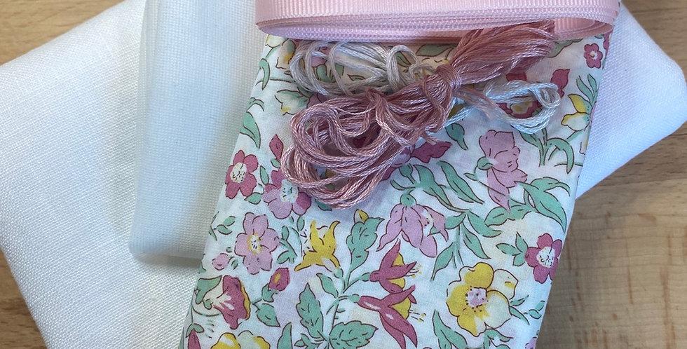 Mamie Liberty organic tana lawn bunny bag kit