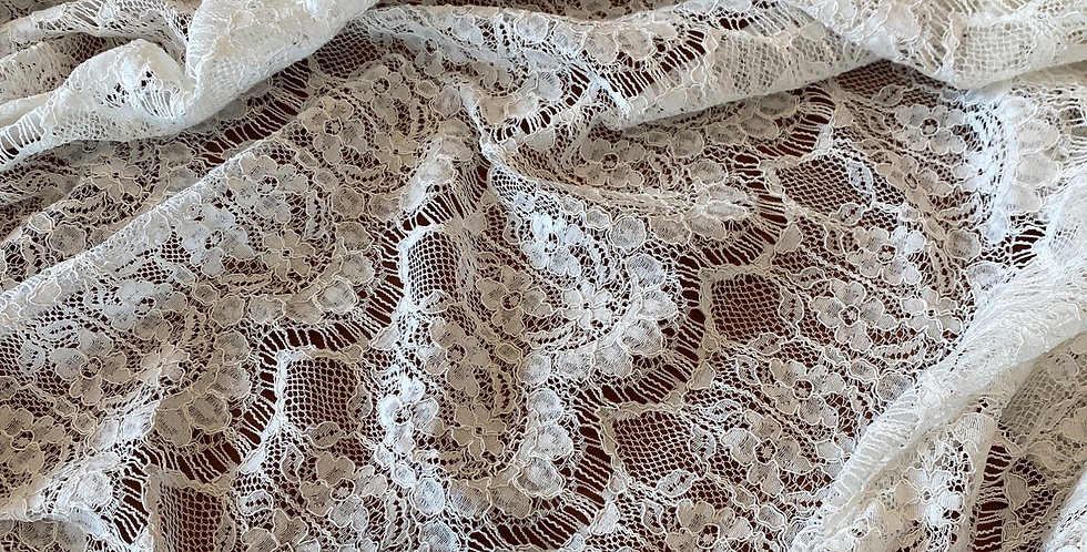 White Lace Scallop Rows Lace Remnant...