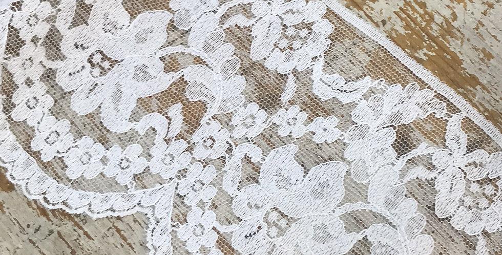 Amanda vintage lace