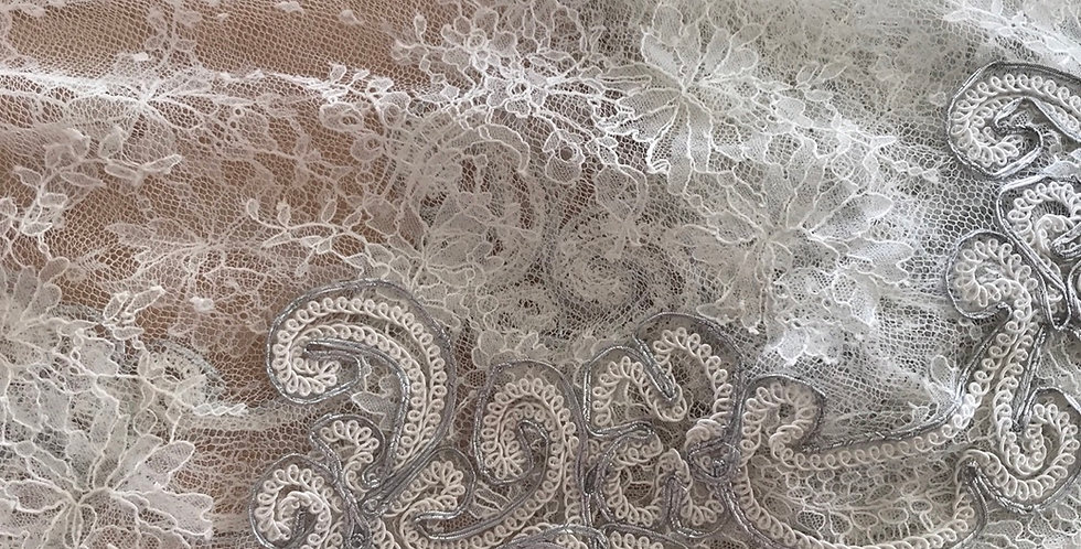 Esmeralda corded tulle lace