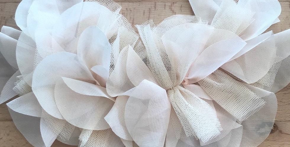 Pale peach flutter motif