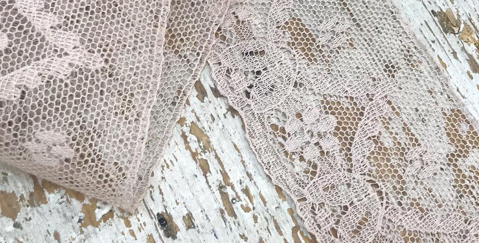 Garland vintage lace