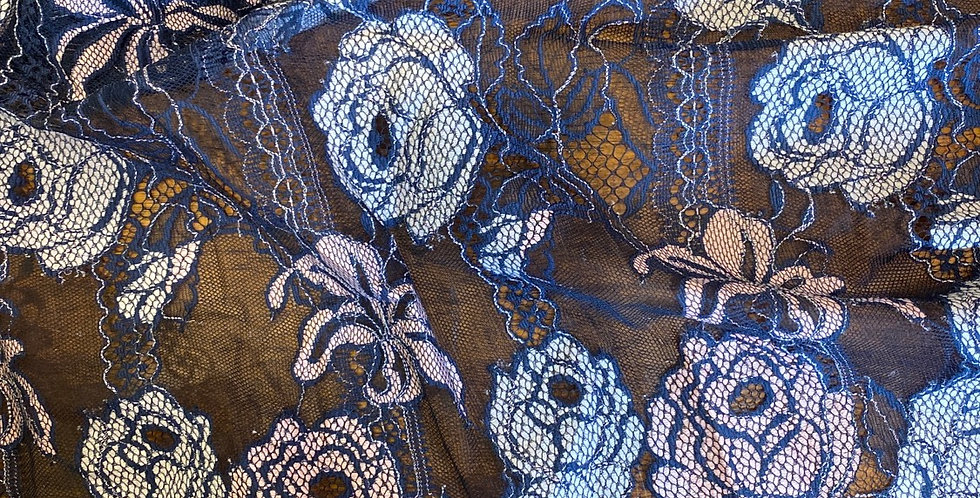 Orchid scallop lace remnant